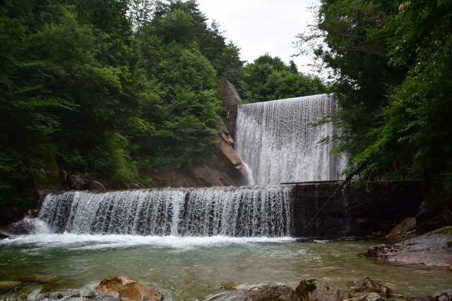 国営アルプスあづみの公園 シャワーピクニック 滝