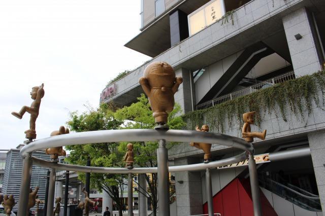 高岡広場 ドラえもんの散歩道