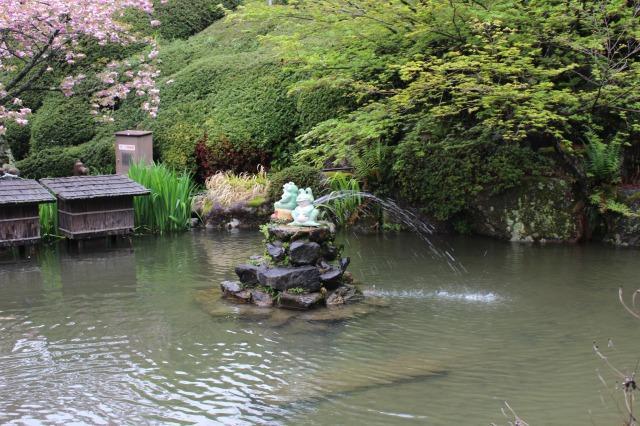 下呂温泉合掌村 噴水のかえる