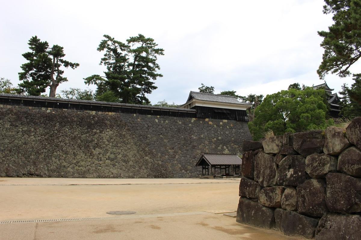 松江城 石垣