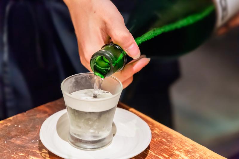 発泡性の日本酒とは?スパークリングとは違うの?|saketaku