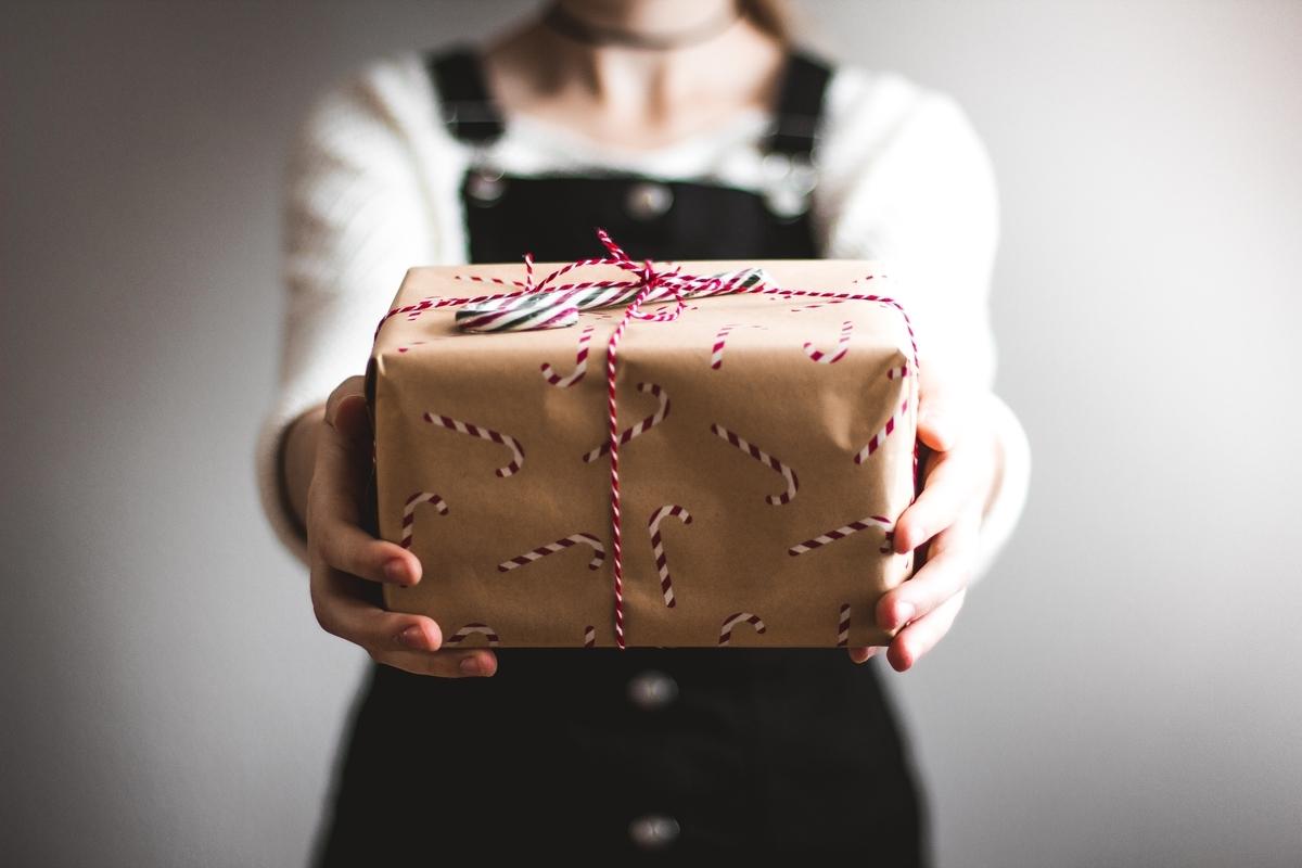 日本酒が好きな人に贈るプレゼントは何がいい?|saketaku