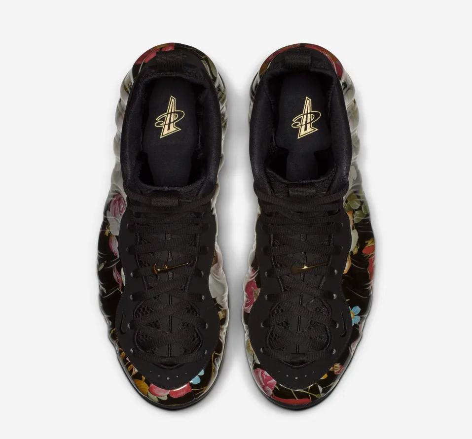 f:id:sneakerscaffetokyo:20190222065325p:plain