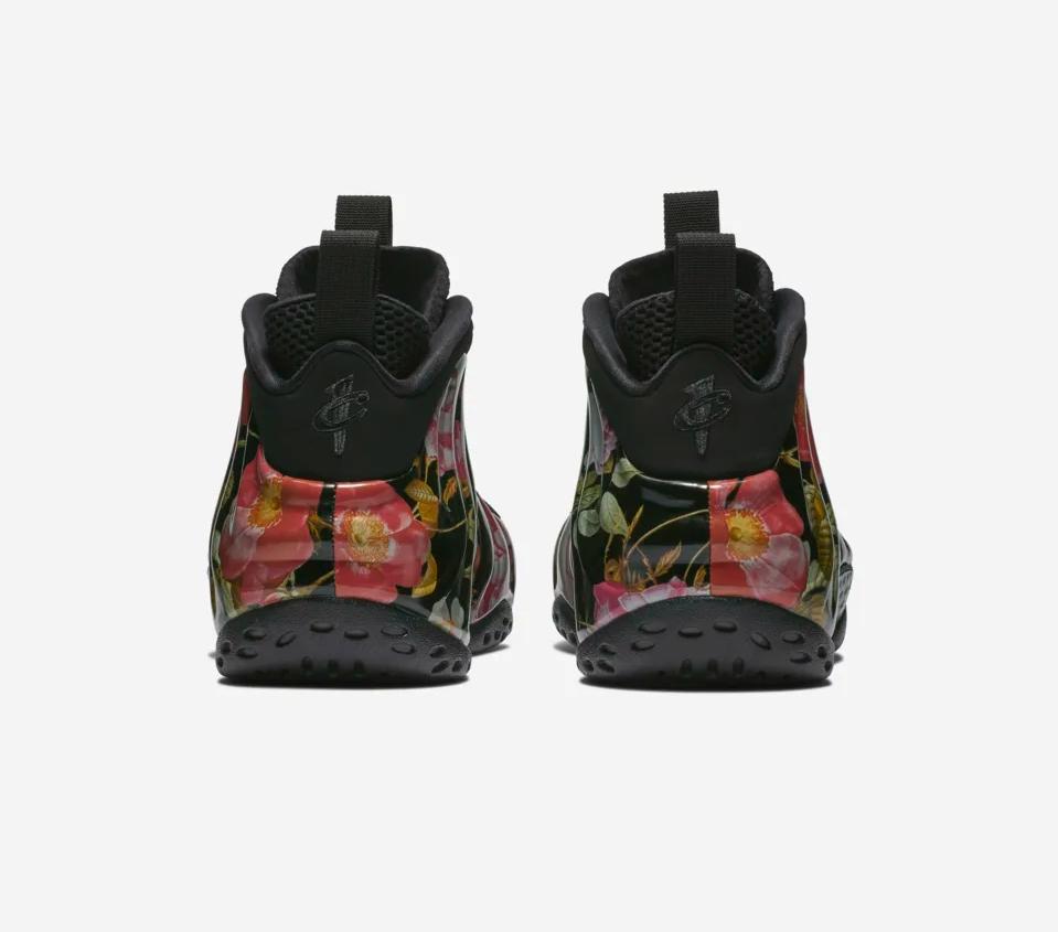 f:id:sneakerscaffetokyo:20190222065347p:plain