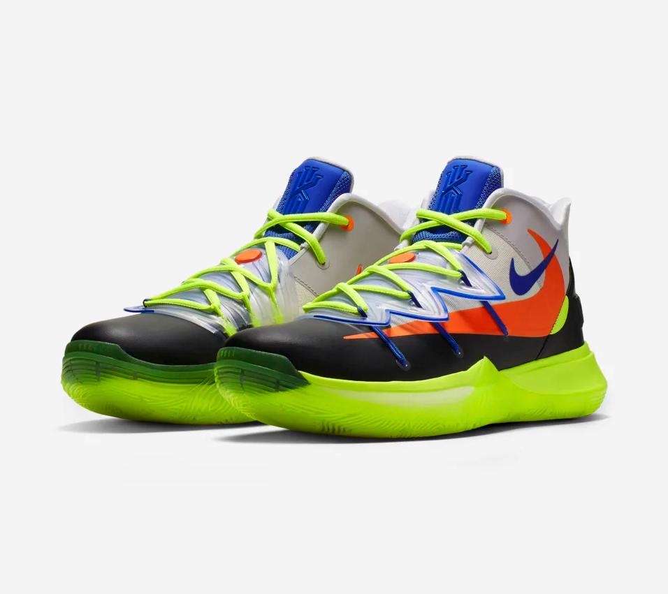 f:id:sneakerscaffetokyo:20190304173625p:plain