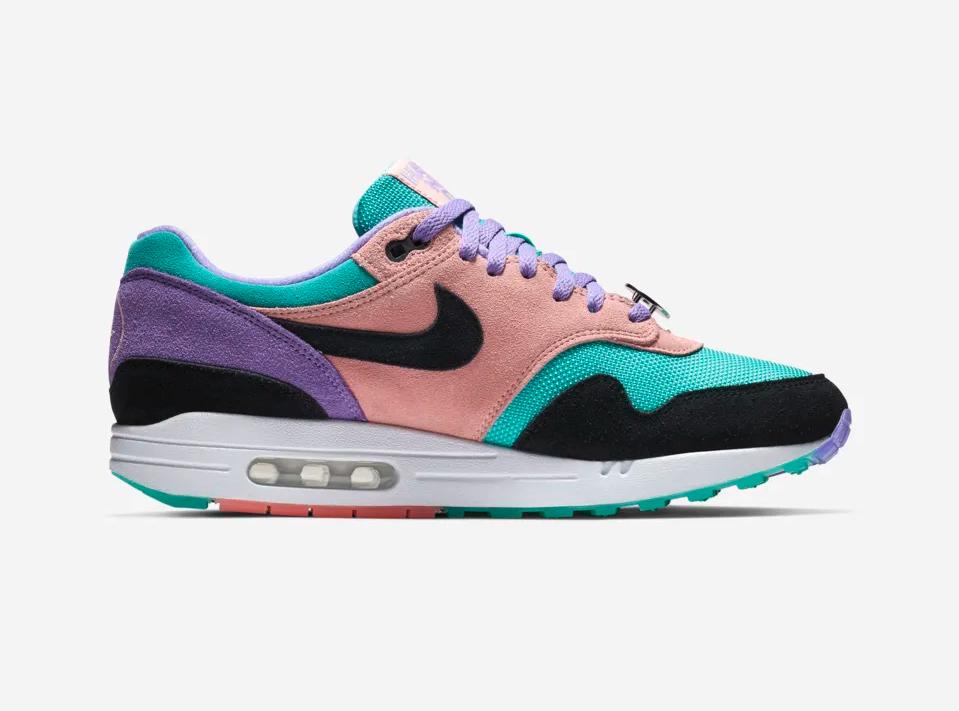 f:id:sneakerscaffetokyo:20190306173532p:plain
