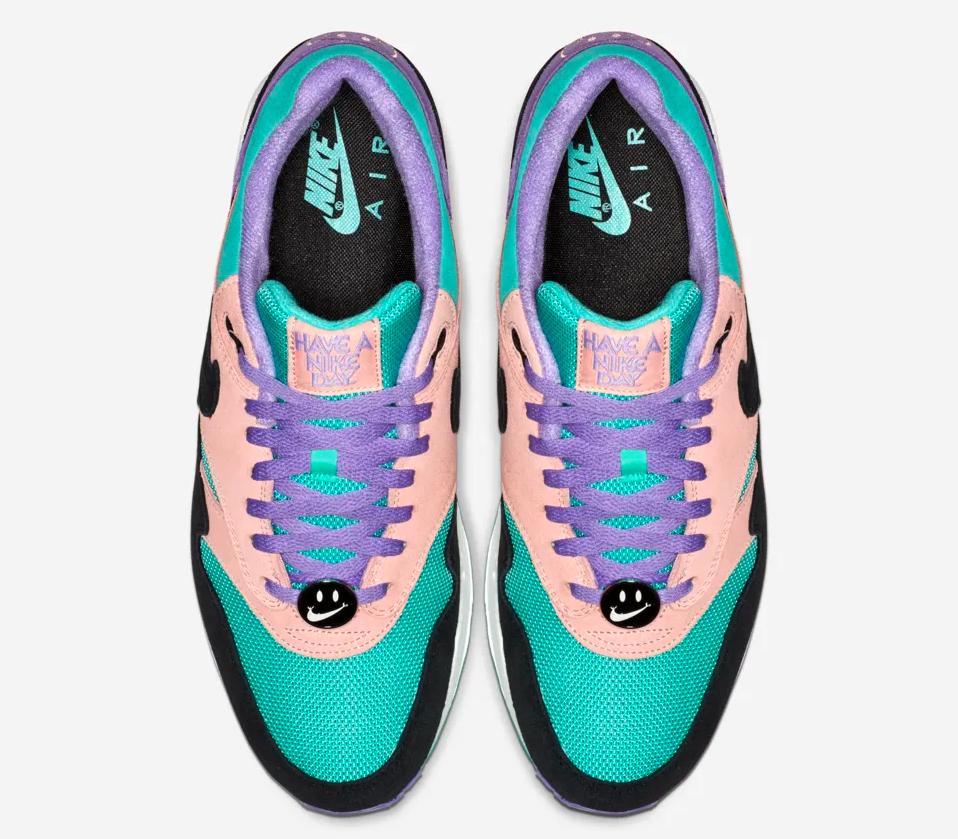 f:id:sneakerscaffetokyo:20190306173550p:plain