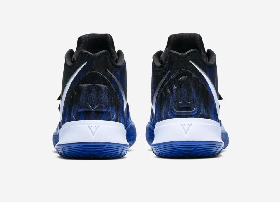 f:id:sneakerscaffetokyo:20190311181738p:plain
