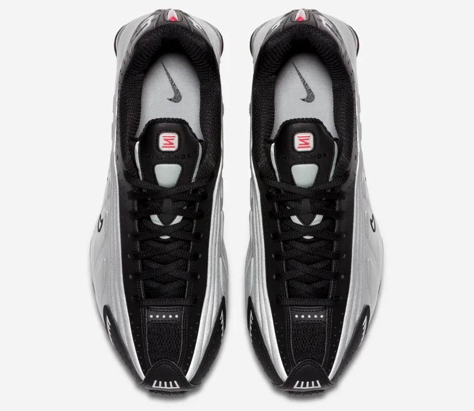 f:id:sneakerscaffetokyo:20190317100317p:plain