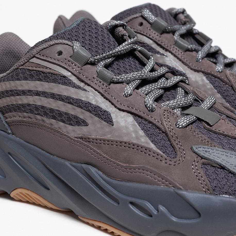 f:id:sneakerscaffetokyo:20190320091909j:plain