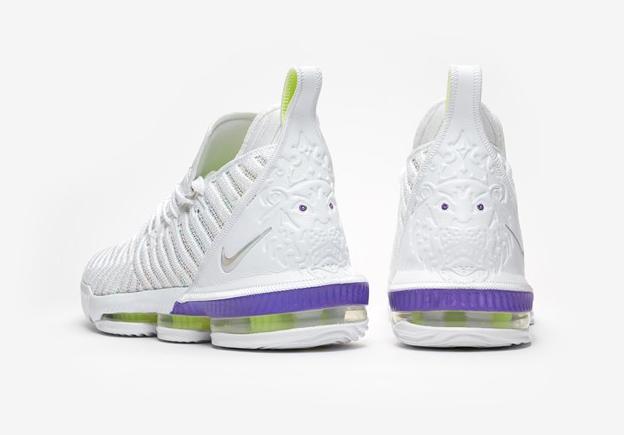 f:id:sneakerscaffetokyo:20190326170814p:plain