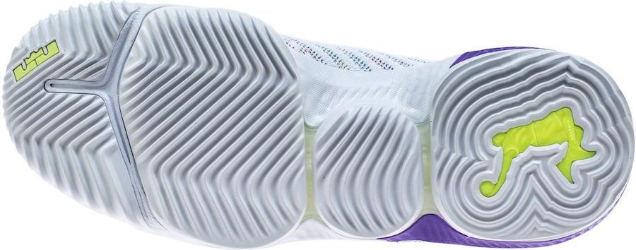f:id:sneakerscaffetokyo:20190326170856j:plain