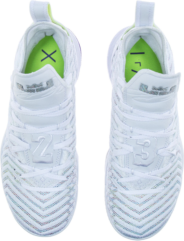f:id:sneakerscaffetokyo:20190326170911j:plain