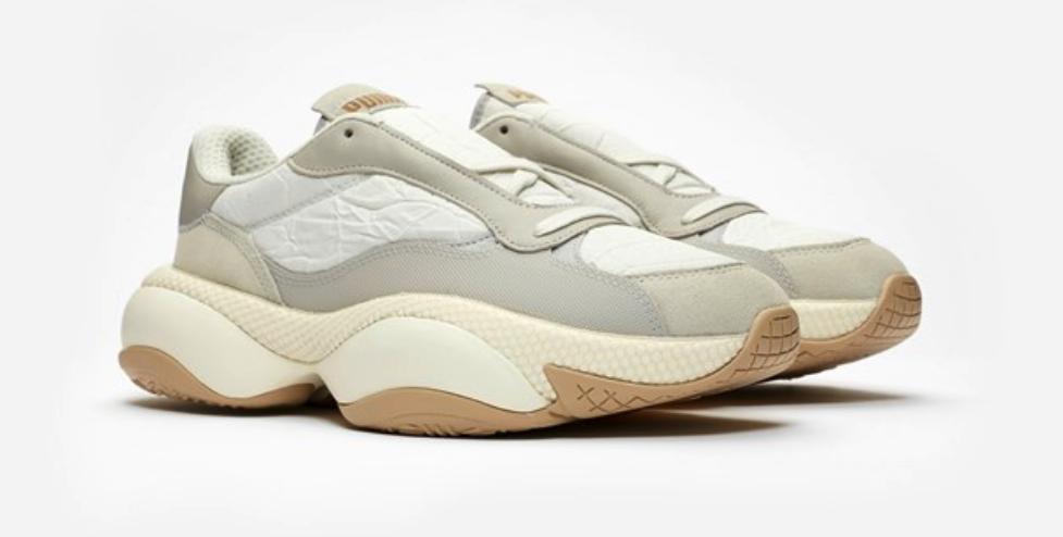 f:id:sneakerscaffetokyo:20190327101349p:plain