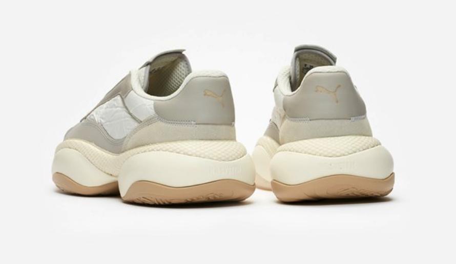 f:id:sneakerscaffetokyo:20190327101748p:plain