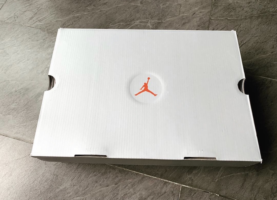 f:id:sneakerscaffetokyo:20190401105015j:plain