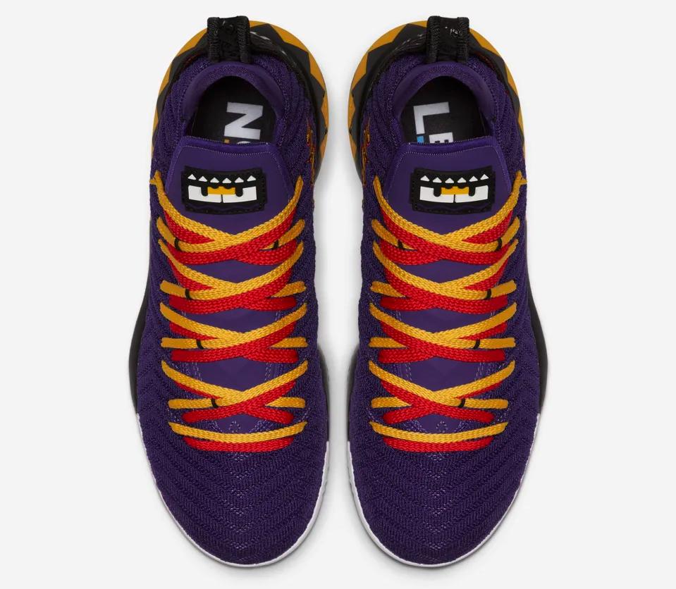 f:id:sneakerscaffetokyo:20190415113726p:plain