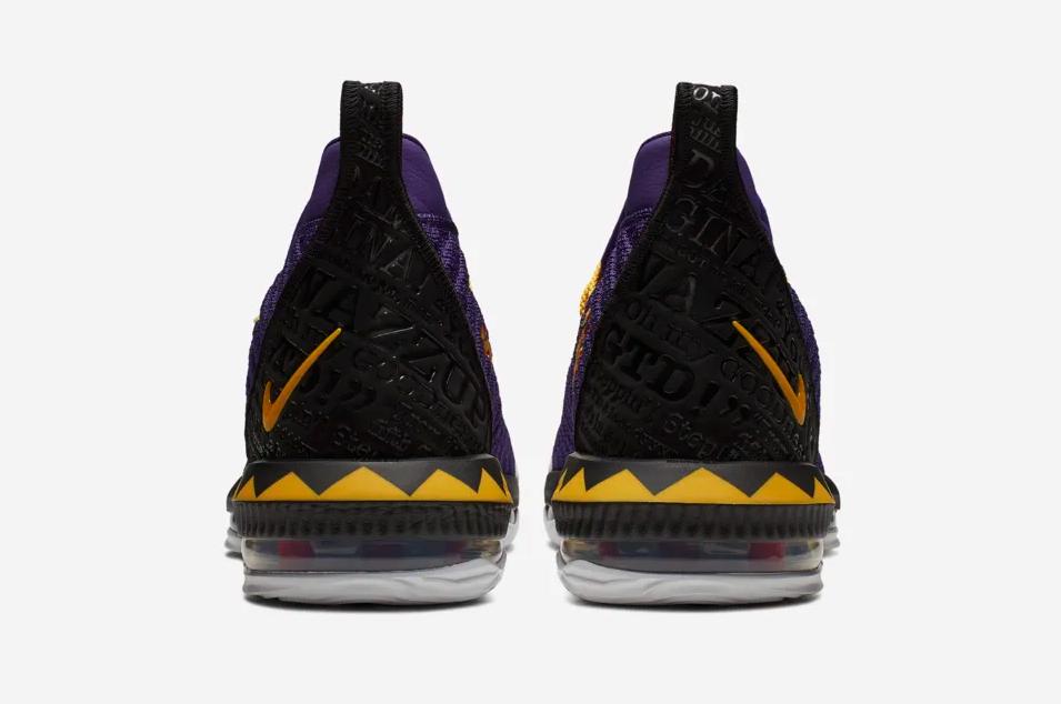 f:id:sneakerscaffetokyo:20190415113742p:plain