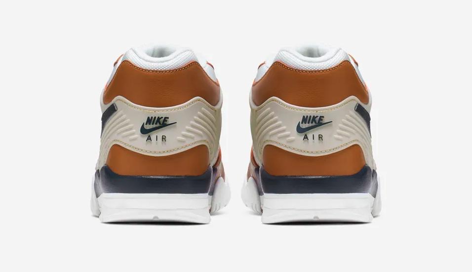 f:id:sneakerscaffetokyo:20190422103351p:plain