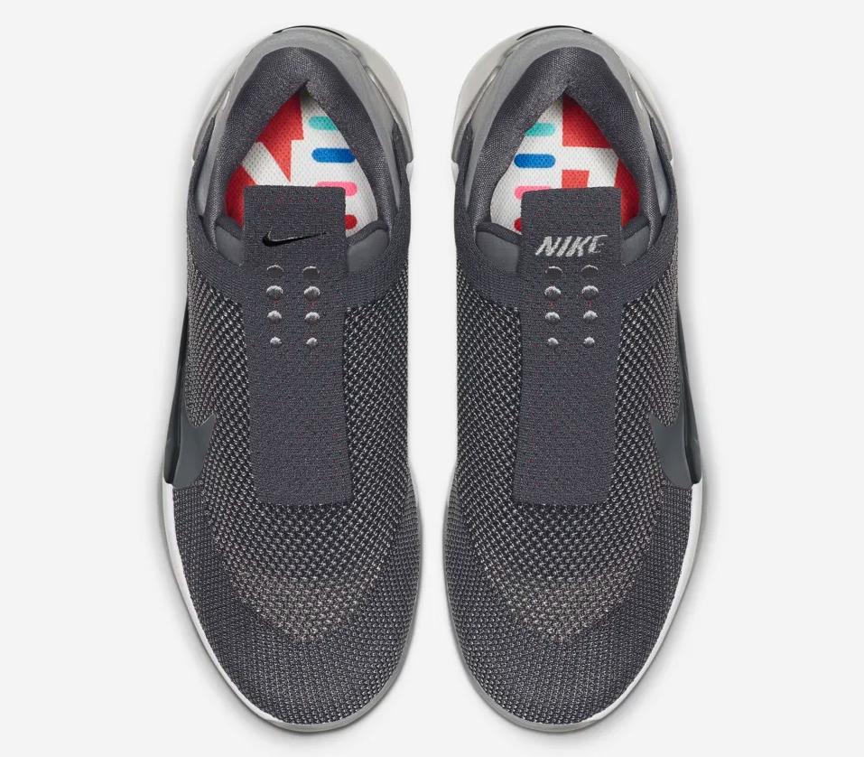f:id:sneakerscaffetokyo:20190423075802p:plain