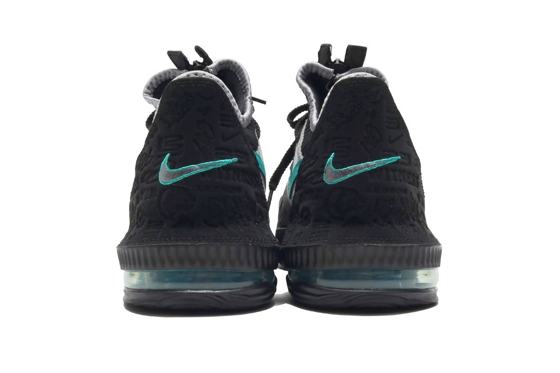 f:id:sneakerscaffetokyo:20190424095530j:plain