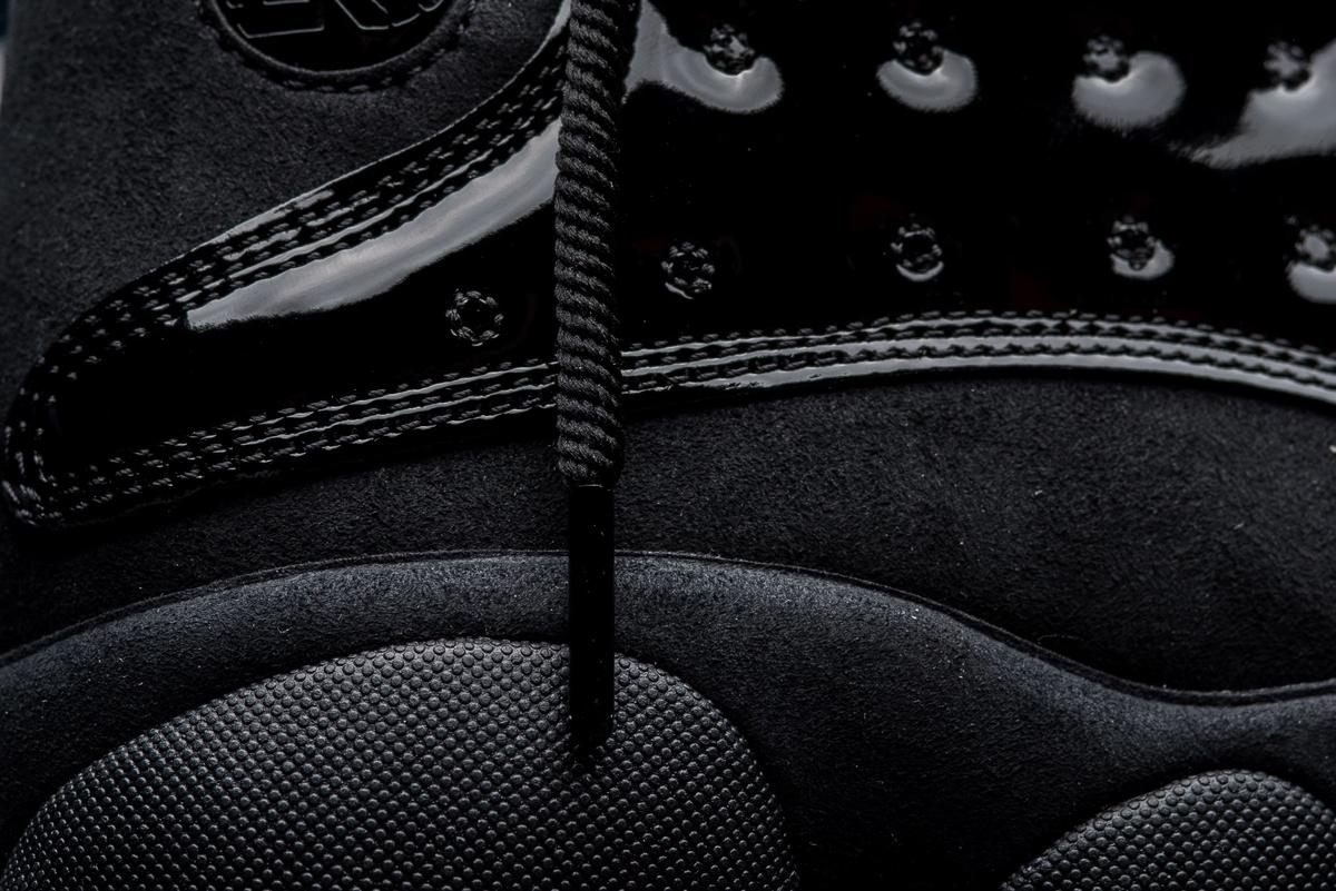 f:id:sneakerscaffetokyo:20190425093040j:plain