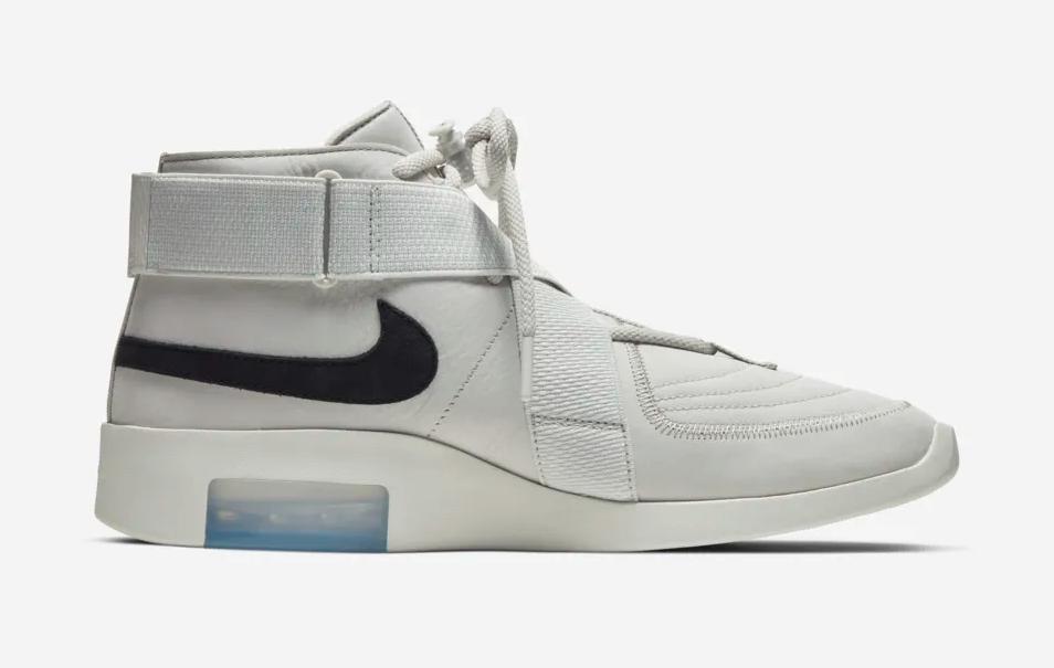 f:id:sneakerscaffetokyo:20190426110144p:plain