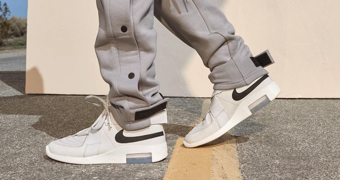 f:id:sneakerscaffetokyo:20190426110417p:plain