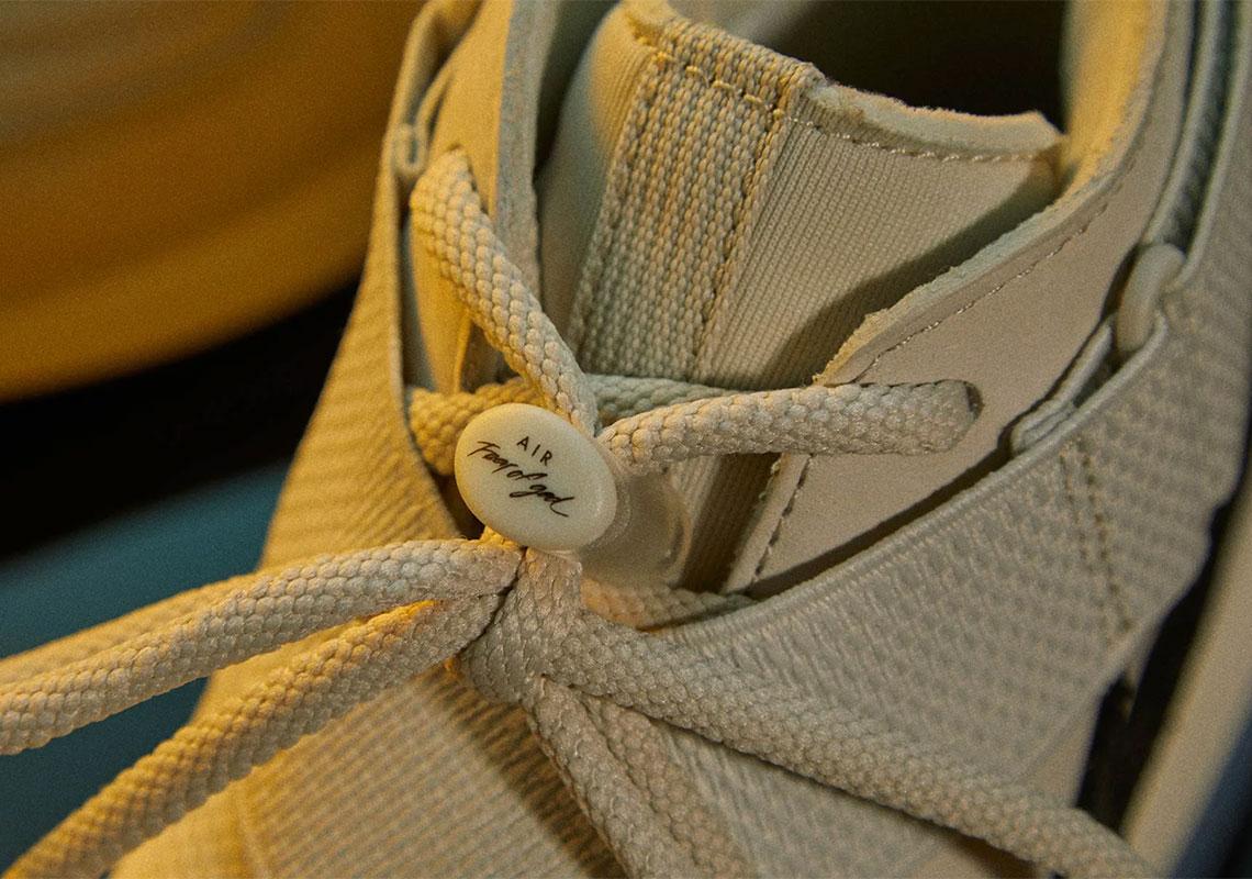 f:id:sneakerscaffetokyo:20190426110712j:plain