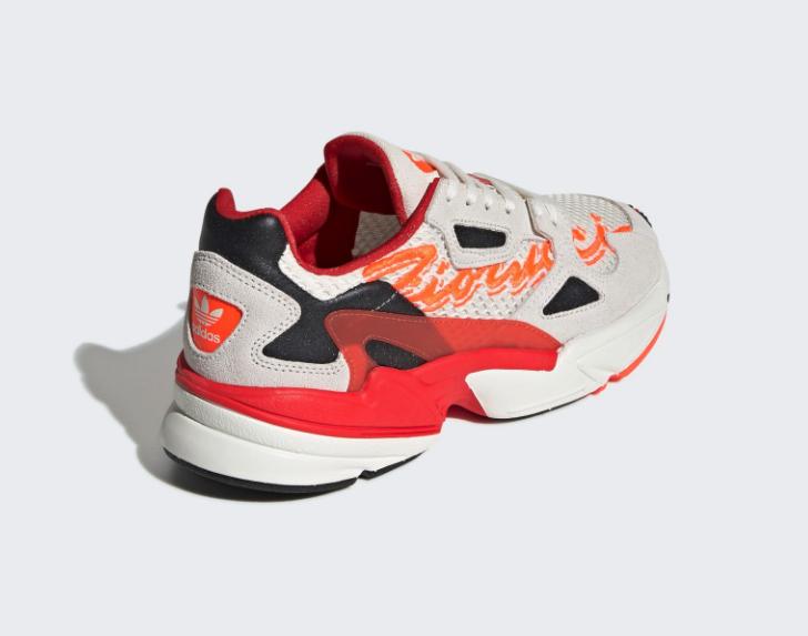f:id:sneakerscaffetokyo:20190507172535p:plain