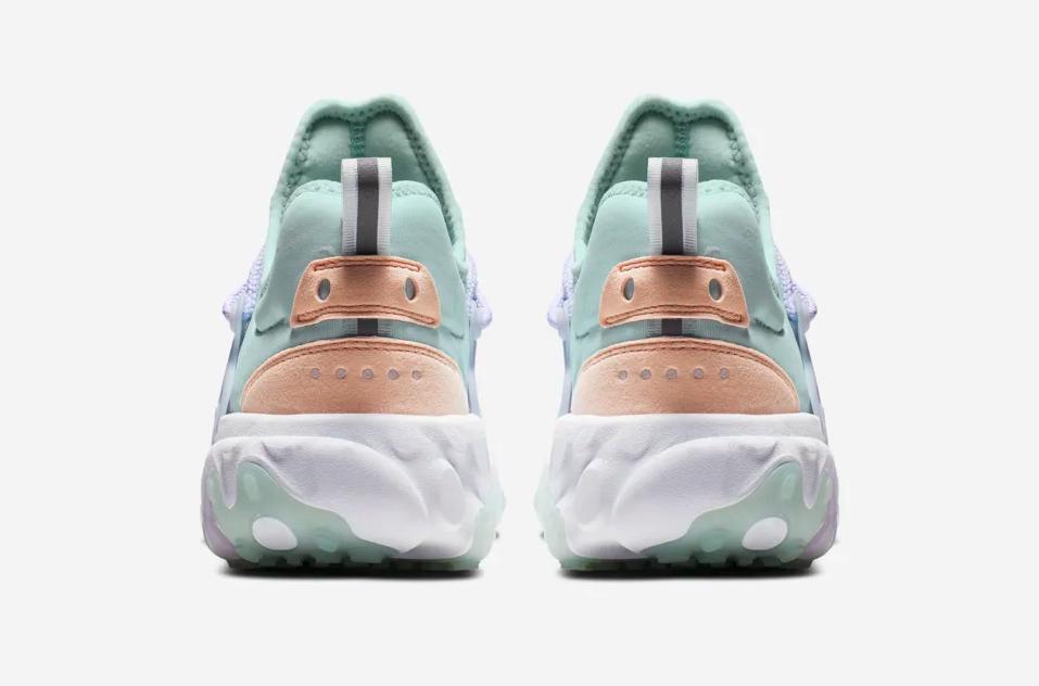 f:id:sneakerscaffetokyo:20190513114802p:plain