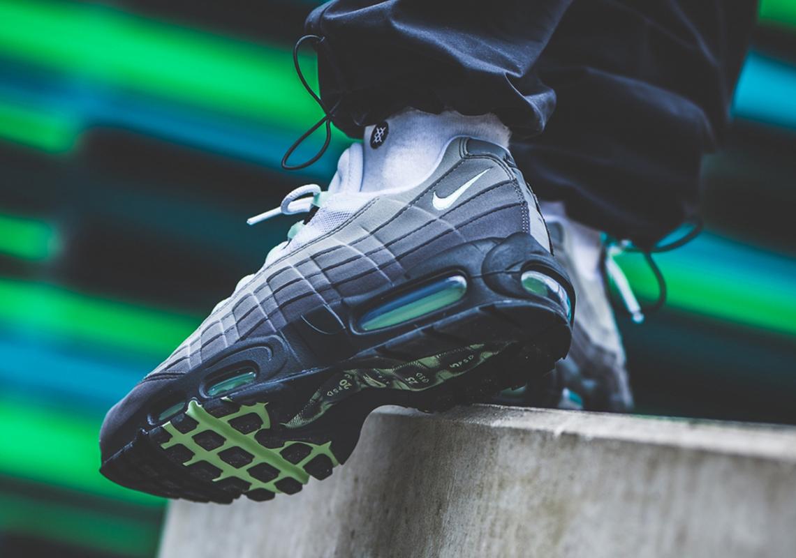 f:id:sneakerscaffetokyo:20190515094524j:plain