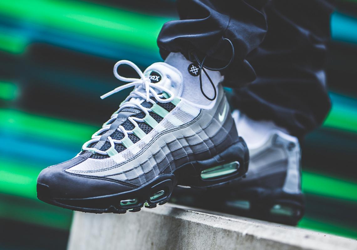 f:id:sneakerscaffetokyo:20190515094540j:plain