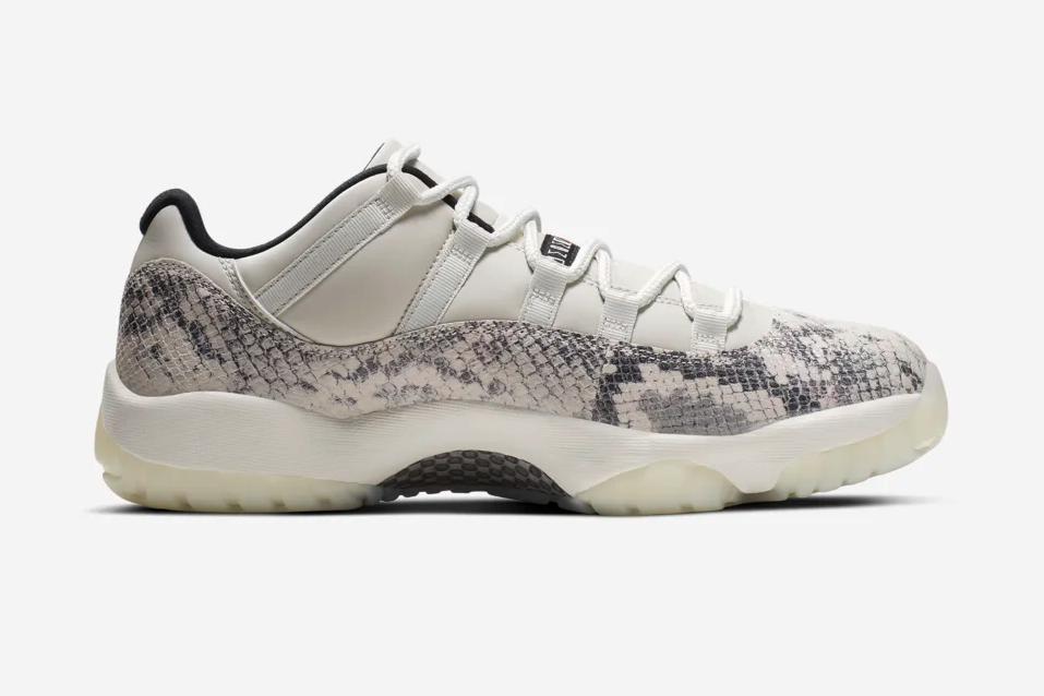 f:id:sneakerscaffetokyo:20190515165301p:plain