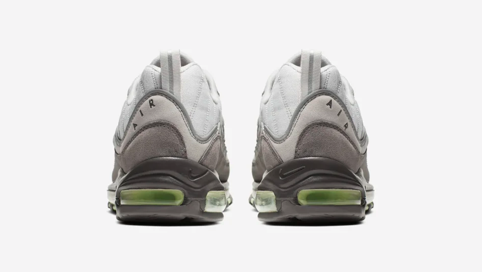 f:id:sneakerscaffetokyo:20190521144438p:plain