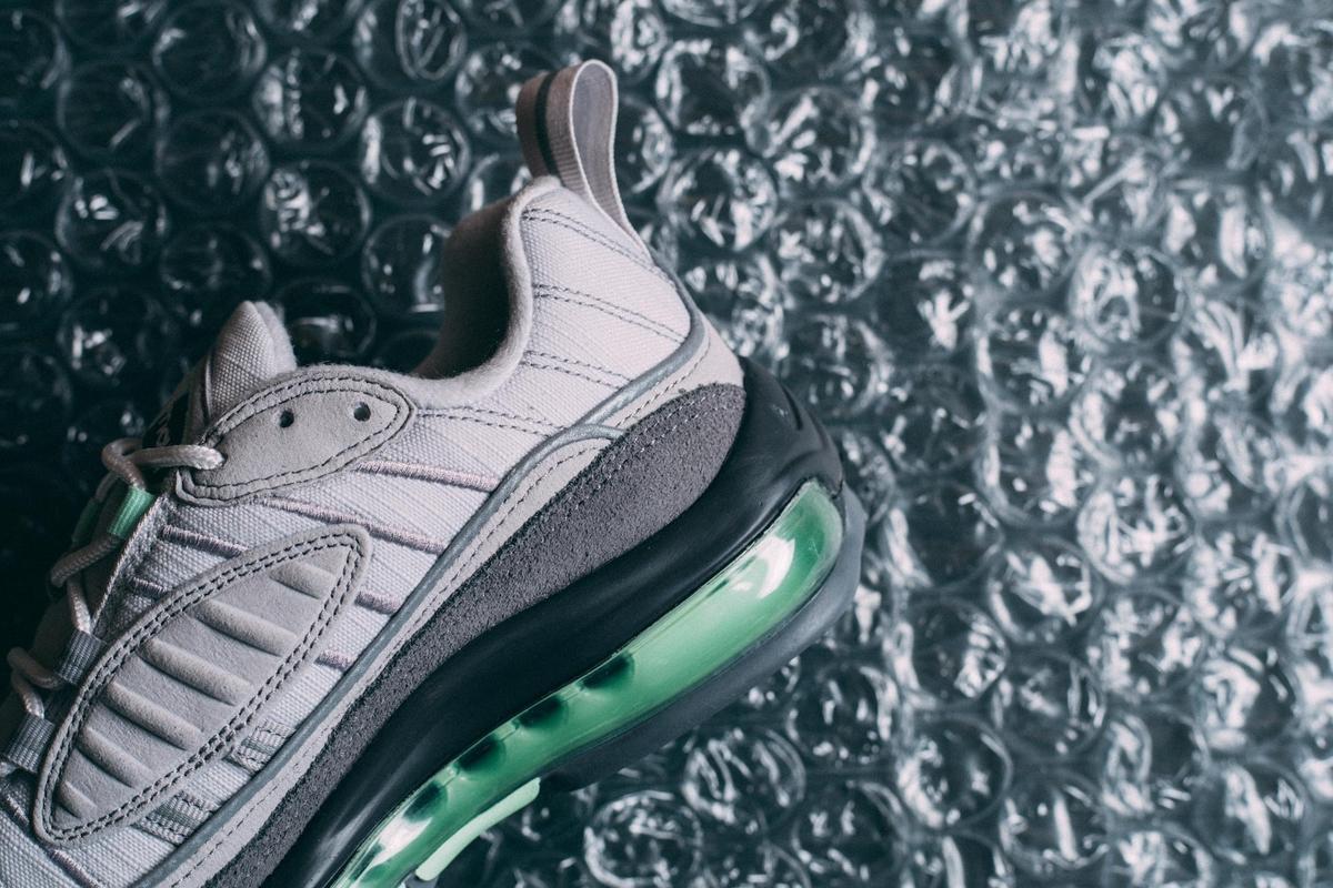 f:id:sneakerscaffetokyo:20190521144549j:plain
