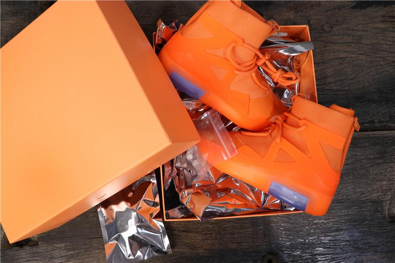 f:id:sneakerscaffetokyo:20190528135232j:plain