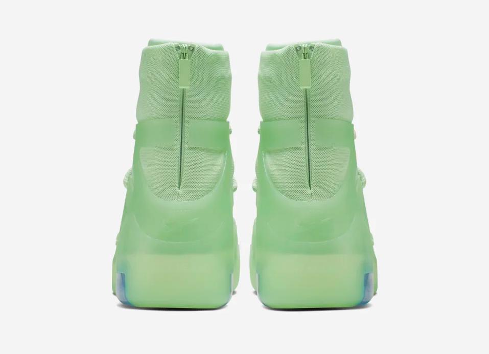 f:id:sneakerscaffetokyo:20190528140258p:plain