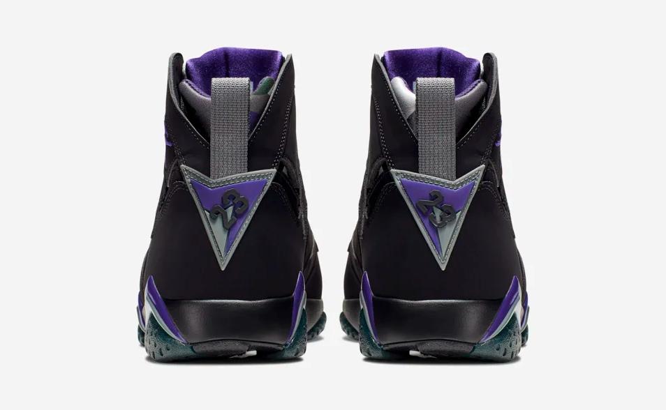 f:id:sneakerscaffetokyo:20190528190747p:plain