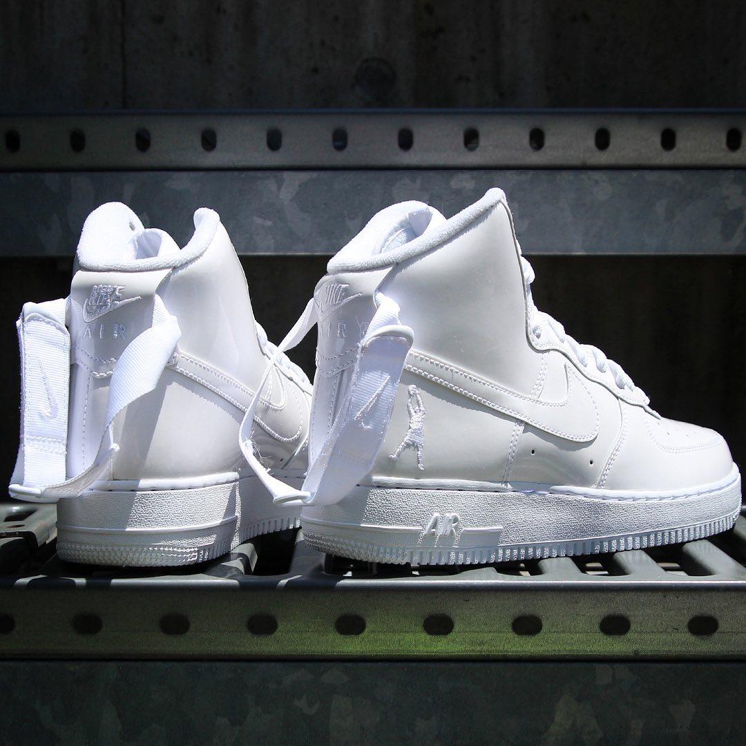 f:id:sneakerscaffetokyo:20190531172236j:plain