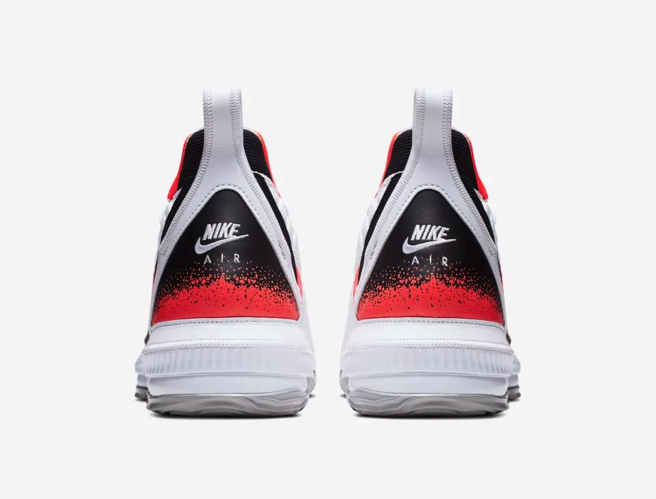 f:id:sneakerscaffetokyo:20190604072422p:plain