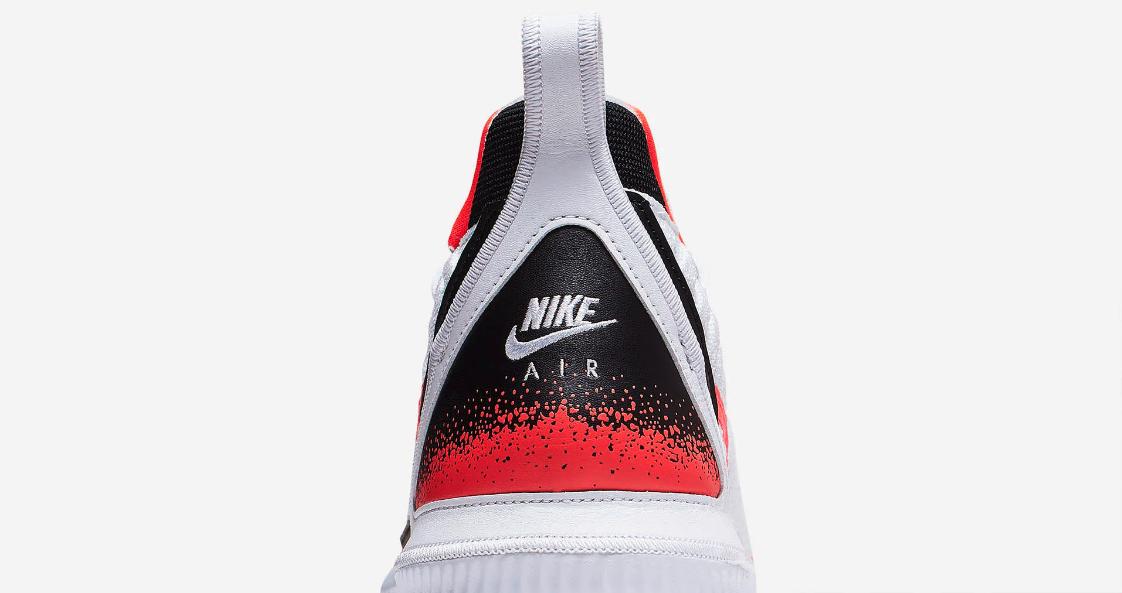 f:id:sneakerscaffetokyo:20190604072457p:plain