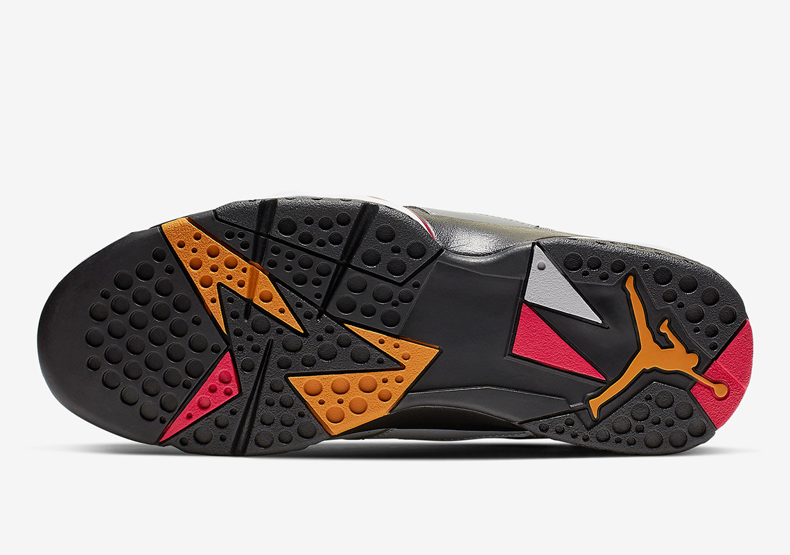f:id:sneakerscaffetokyo:20190604092446j:plain