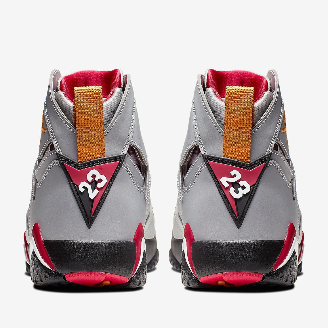 f:id:sneakerscaffetokyo:20190604092534j:plain