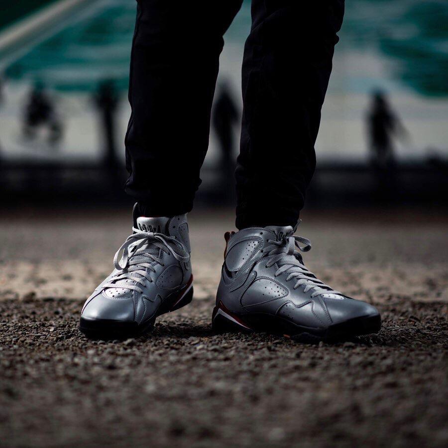 f:id:sneakerscaffetokyo:20190604092759j:plain