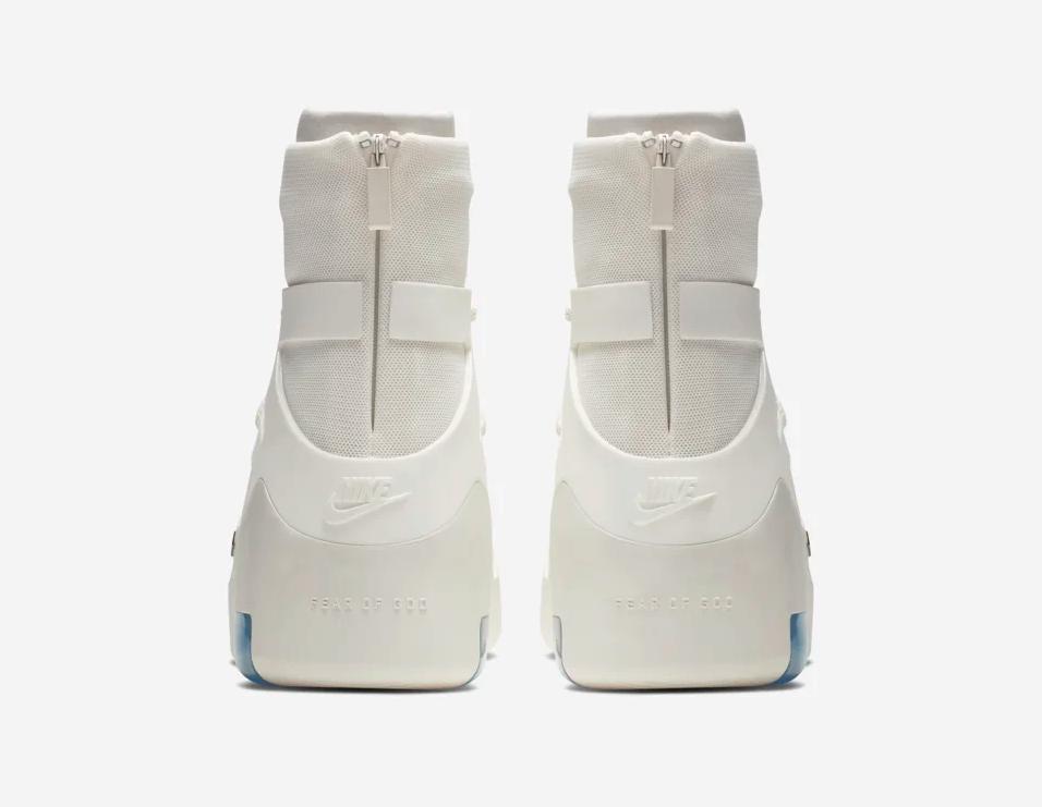 f:id:sneakerscaffetokyo:20190604101435p:plain