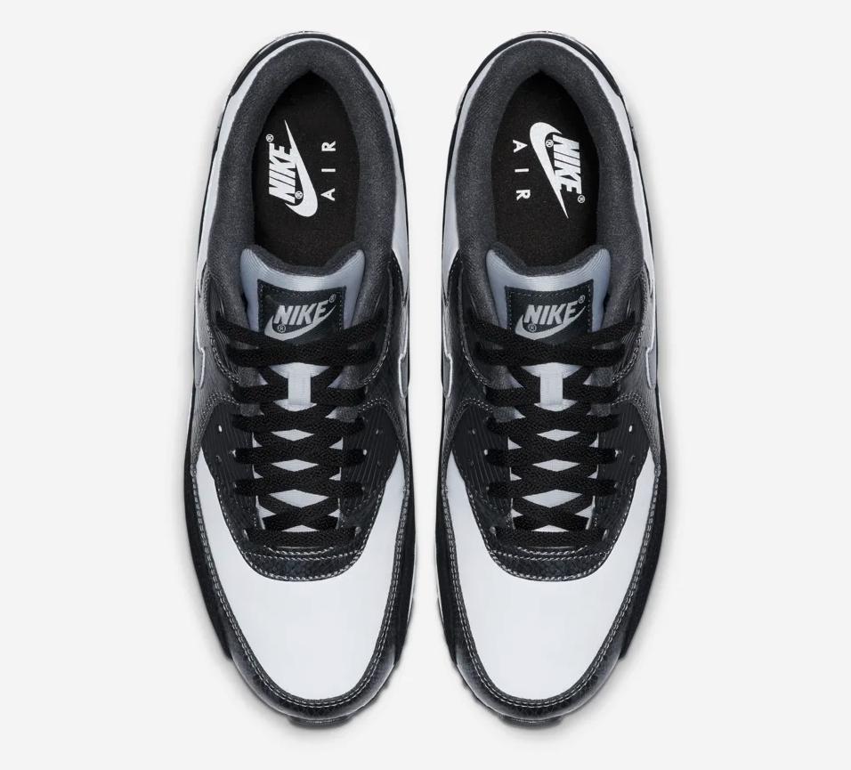 f:id:sneakerscaffetokyo:20190607115453p:plain
