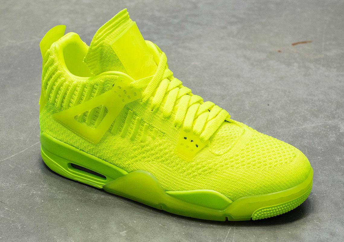 f:id:sneakerscaffetokyo:20190610110732j:plain