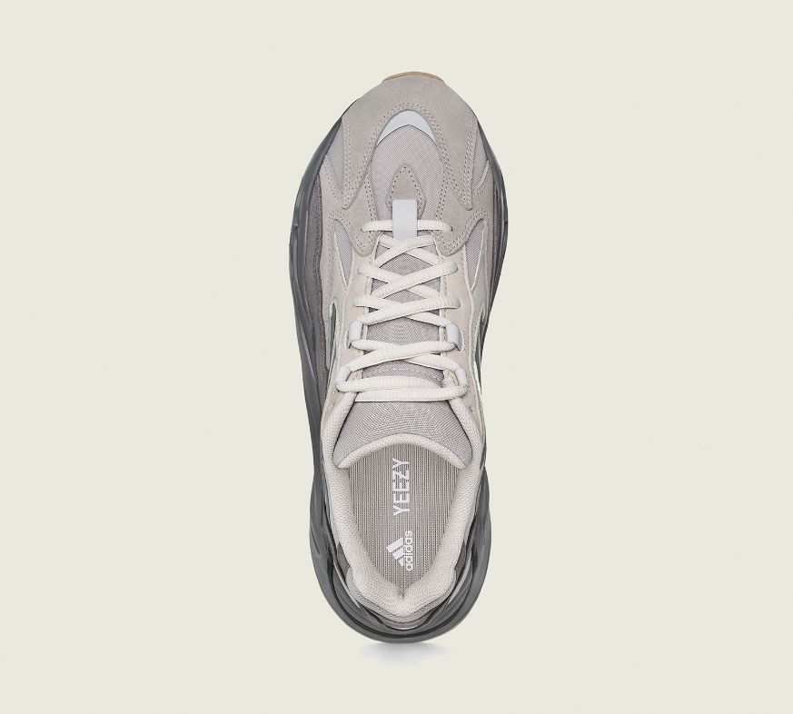 f:id:sneakerscaffetokyo:20190611163646p:plain
