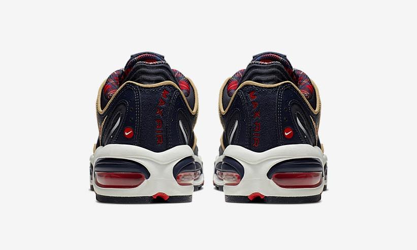 f:id:sneakerscaffetokyo:20190617112104j:plain